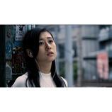 """エアギター世界一の名倉七海、吉田拓郎カバー曲でメジャーデビュー MVでは""""リアルギター""""も"""