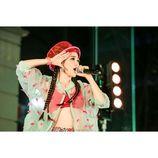 TANAKA ALICE、Apple Store表参道でパフォーマンス 初披露の新曲を歌い上げる