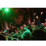 MAN WITH A MISSION、Zebraheadとのスプリットツアーにてコラボ曲を披露