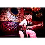 「ベースの可能性を切り開きたい」瀧田イサムが表現する、メロディ楽器としての魅力