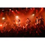 モノブライト、8年かけて名曲を完成させるーー兵庫慎司が充実の新体制ライブをレポート