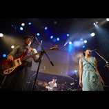 TWEEDEES「生誕1周年」ライブレポート 節目の演奏で見せた新たなモードと『バブみ』とは?