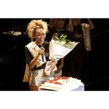 Crystal Kay、30歳バースデーライブでサプライズ 新曲「サクラ」リリース日には追加公演も