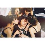 メーガン・トレイナー、新曲「NO」MV公開 NON STYLE 井上が美女の誘いを断るイケメンに