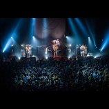 """SCANDALは""""最強モード""""に突入したーー『YELLOW』ツアー東京公演レポート"""