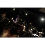 """ササノマリイ、スライムシンセサイザーとのセッション映像公開 """"生楽器×電子音""""コラボの理由は?"""