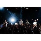 """LILI LIMITのステージには""""グルーヴ""""があるーーライブバンドとして進化したツアー東京公演レポ"""