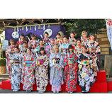 E-girlsが晴れ着で初詣&ヒット祈願 Aya「昨年を超える熱狂やエンターテインメントを届けたい」