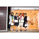 E-girls 佐藤晴美・楓・藤井萩花・藤井夏恋、サマンサタバサとのコラボストアに感激 「私たちからも恩返しができるように」