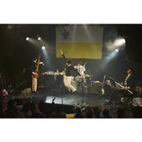 "TWEEDEESが4人編成で見せた""ソリッドな一面"" 2周年記念ライブレポート"