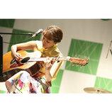 chay、『春恋ライブ』で新曲「恋のはじまりはいつも突然に」ほか全4曲披露