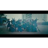 """欅坂46、4thシングル曲「不協和音」MV公開 TAKAHIRO振付の激しいダンスで""""強い意志""""体現"""