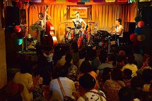 20150810-live.JPG