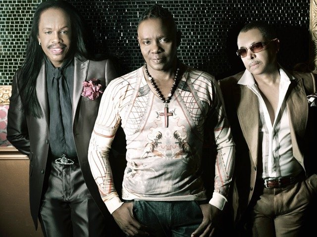 20170410-EarthWindFire-th.jpg