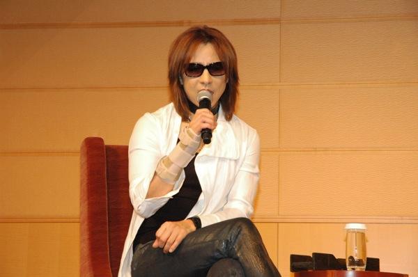 yoshiki-02-thumb.jpg