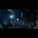 『バットマン vs スーパーマン』、バトルシーンが公開に バットマン「人間の強さを思い知れ」
