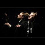 トム・ヒドルストン主演『ハイ・ライズ』8月公開へ タワーマンションのヒエラルキー描く