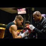 元ボクシング世界チャンピオンの再生を描く『サウスポー』、公開日と前売り特典が決定