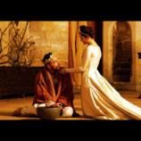 マイケル・ファスベンダー、野心に取り憑かれた暴君を熱演 シェイクスピア『マクベス』予告公開