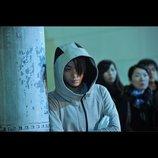 『デスノート 2016』菅田将暉演じる紫苑優輝の場面写真公開 楽しそうに折り紙を折る姿も