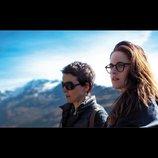 """クリステン・スチュワート、波乱の女優人生ーー色眼鏡に晒された""""元・子役""""はいかに評価を得たか"""