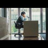 黒沢清監督最新作『クリーピー 偽りの隣人』、大学生に講義する西島秀俊の場面写真公開