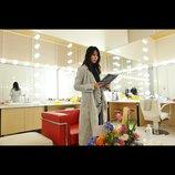『デスノート LNW』戸田恵梨香の新場面写真公開 弥海砂が再びデスノートを手にする姿が