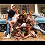 サエキけんぞうの『エブリバディ・ウォンツ・サム!!』評:SNS時代に提示される、80年代青春群像