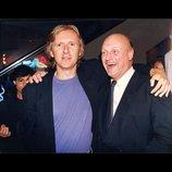 『ハリウッドがひれ伏した銀行マン』本編映像公開 ケヴィン・コスナーが初監督作の秘話明かす