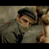 映画は人類史における一大犯罪をどう描くべきか? 『サウルの息子』の演出が投げかける問い