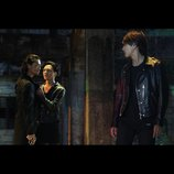 『HiGH&LOW THE RED RAIN』雨宮三兄弟の新場面写真、登坂広臣が斎藤工の胸ぐらつかむ