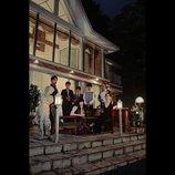 モルモット吉田の『At the terrace テラスにて』評:多くの観客に観てほしい極上の喜劇