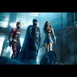 バットマン、ワンダーウーマン、フラッシュが集結! 『ジャスティス・リーグ』初写真