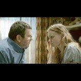 """荻野洋一の『エリザのために』評:クリスティアン・ムンジウの映画とは""""負ける映画""""である"""