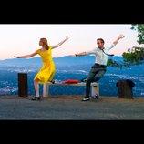 エマ・ストーンとライアン・ゴズリングの衣装に着目 『ラ・ラ・ランド』場面写真