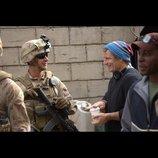 シャイア・ラブーフと監督たちの撮影の様子とらえた『マン・ダウン 戦士の約束』メイキング写真