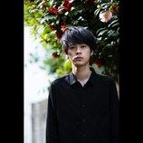 成田凌、同性がかっこいいと思える役者へ 『大貧乏』で見せた落ち着きの演技