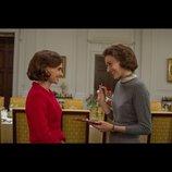 ナタリー・ポートマン主演『ジャッキー』新場面写真 グレタ・ガーウィグが親友役に