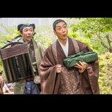 佐藤浩市が市川猿之助にひれ伏す姿も 『花戦さ』主要キャスト5人の場面写真