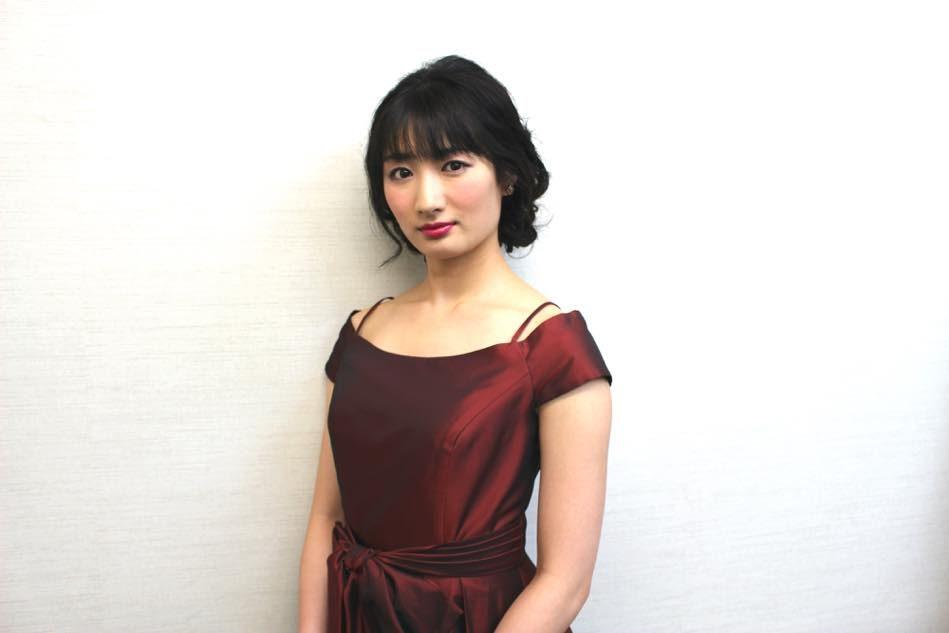 武田梨奈のドレス画像