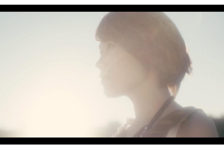 丸本莉子、新曲「フシギな夢」MV...