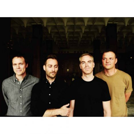 American Football、17年ぶり新アルバムより新曲音源公開 日本盤は来日公演ライブ音源収録