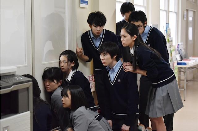 """""""日本で一番若い校長""""櫻井翔は、新たな教師像を生み出す? 『先に生まれただけの僕』第1話レビュー"""