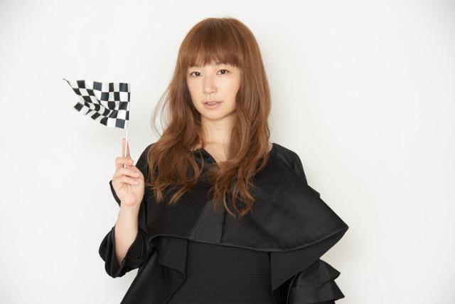 YUKI、シングルコレクション『すてきな15才』&ライブ映像作品リリース