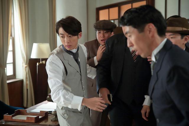 『わろてんか』第83話では、伊能(高橋一生)が新聞記者たちのバッシングに遭う