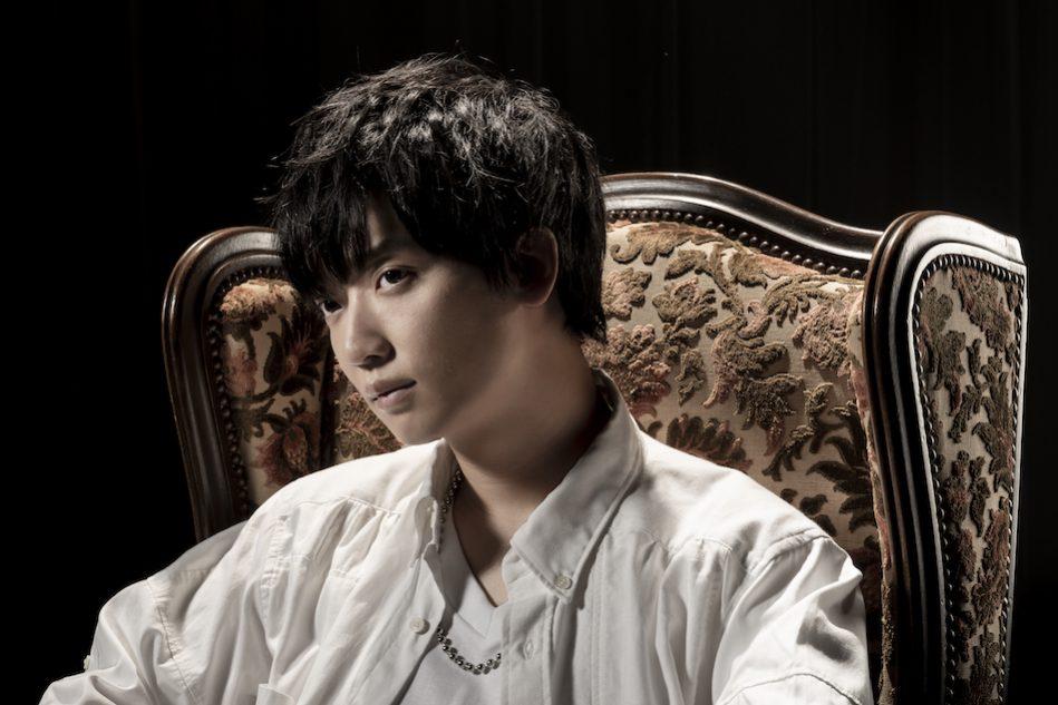 佐香智久、新曲「不完全モノクロ...