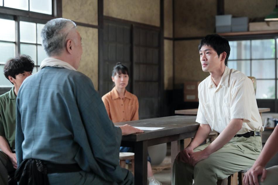 スカーレット』第48話では、新入社員の八郎(松下洸平)が喜美子
