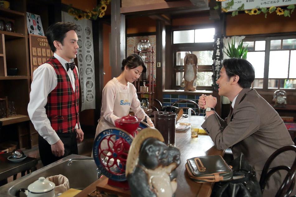 『スカーレット』第122話では、信作(林遣都)の恋愛遍歴を敏春(本田大輔)が聞く