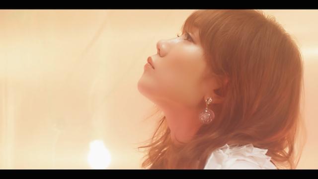 "MACO、恋愛を""蛍""にたとえた新曲「恋蛍」配信リリース ショートバージョンのMVも公開の画像3-3"