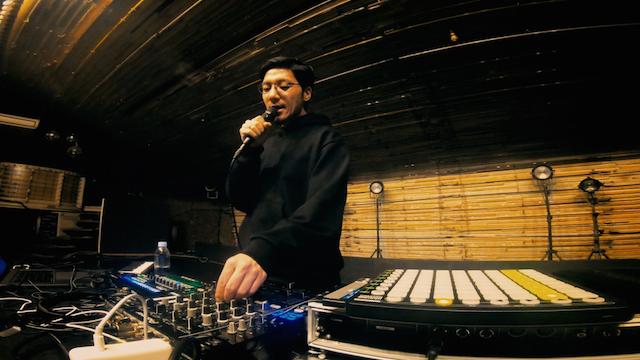 tofubeats、ミニアルバム『TBEP』より新曲「クラブ」MV公開 日常を切り取ったドキュメンタリー風の映像にの画像2-2